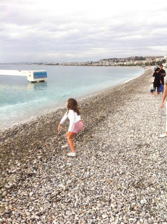 Hyatt Regency Nice Palais de la Mediterranee: Beach Front Promenade