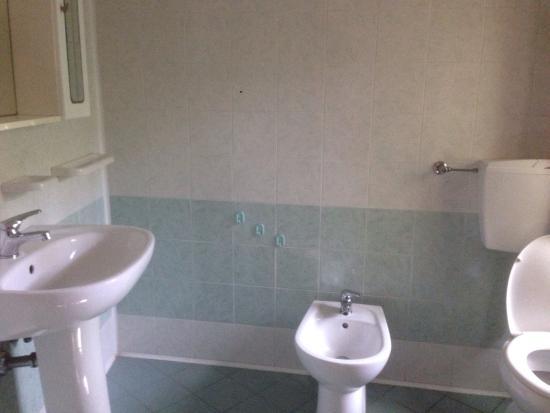 Camera matrimoniale bagno interno camera 4 letti foto di