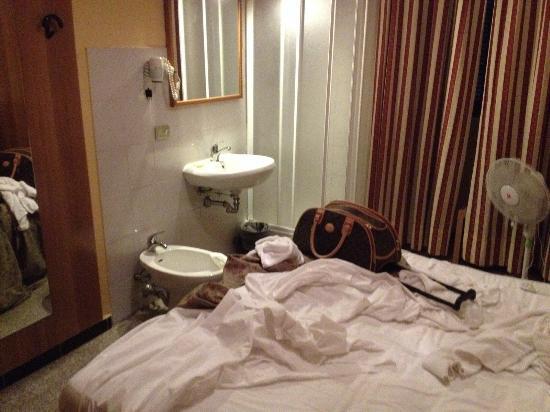 Bagno In Comune Hotel : Bagno in comune ma tutto il resto in camera hotel assolutamente