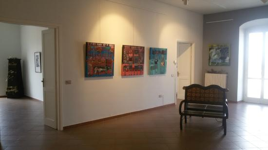 "Porta Coeli International Art Gallery & Academy: Sale espositive durante la mostra ""PuroSangue"""