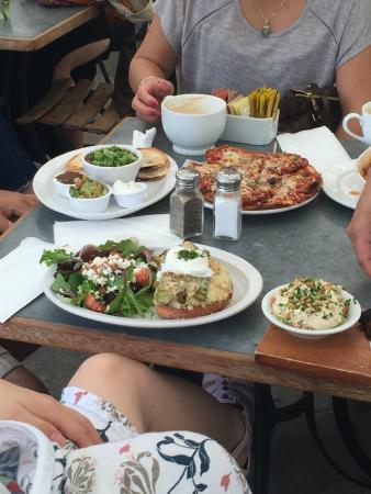 Zinc Cafe & Market : Pizza, Quesadilla plate, Asparagus special