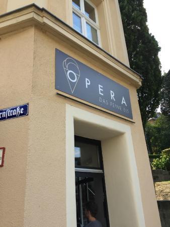 Eis Opera