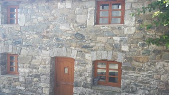 Llannefydd, UK: Front of cottage