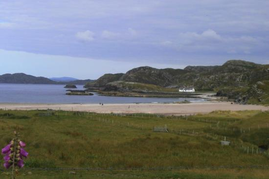 Assynt, UK: Clashnessie Beach - just along the road