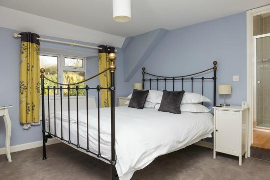 Chillington House: King size beds