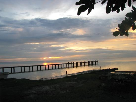 Sarteneja, Belize: Sunset at Fernando's Seaside Guest House.