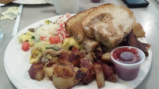 Omelette Shoppe: My omelette--great toast!!