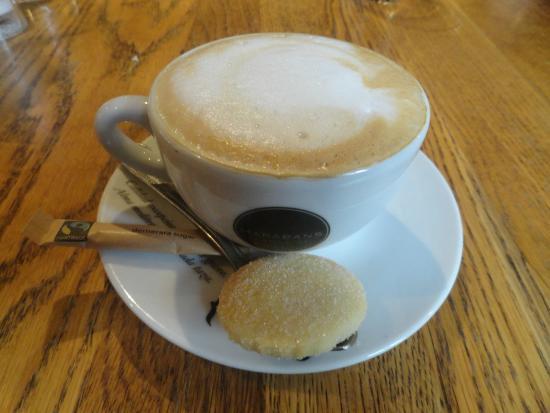 73fe2a88b8ad7 Lambs Restaurant  Cappuccino - el broce perfecto para una cena estupenda