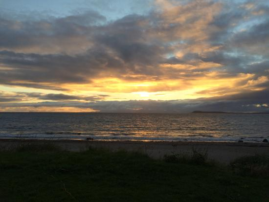 Muasdale Holiday Park: First nights sunset