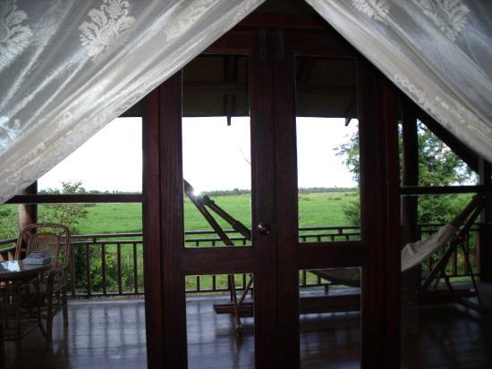 Ban Khiet Ngong, Laos: Vue de l'intérieur du bungalow