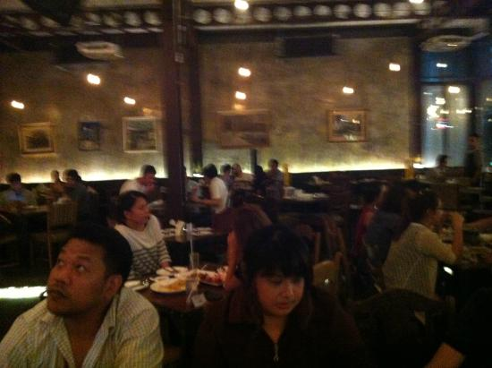 Photo of Thai Restaurant HEAP Cafe' & Restaurant at Victory Monument at 449/2 ถนนราชวิถี 12 อนุเสาวรีย์ชัยสมรภูมิ, Bangkok 10400, Thailand
