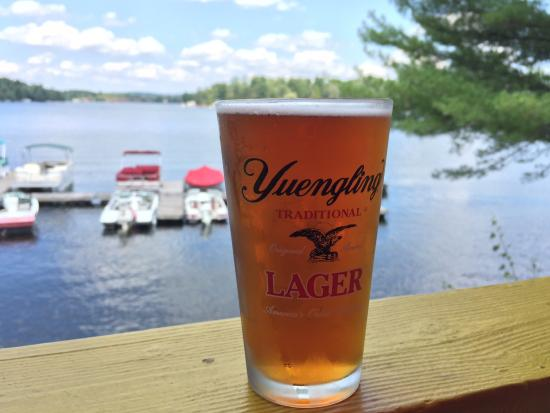 White Lake, estado de Nueva York: Cold beer on the deck