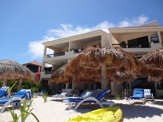 Villas DeRosa Beach Resort: Best little hotel I have found.