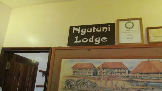 Ngutuni Safari Lodge: Entrance