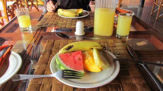 Ngutuni Safari Lodge: Breakfast