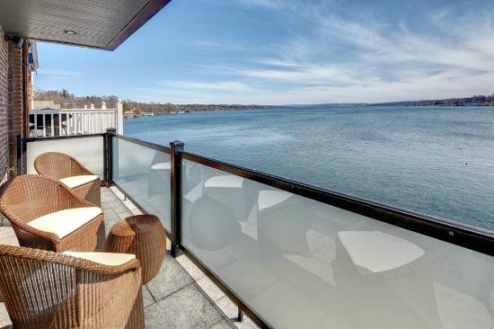 Skaneateles, estado de Nueva York: Lakeside One and Three Private Terrace