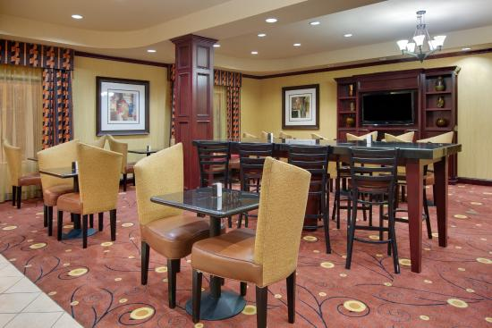 Holiday Inn Express Hotel & Suites Ennis : Breakast Dinning