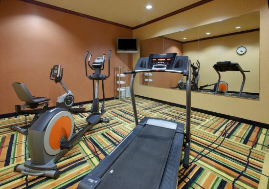 Holiday Inn Express Hotel & Suites Ennis : Fitness