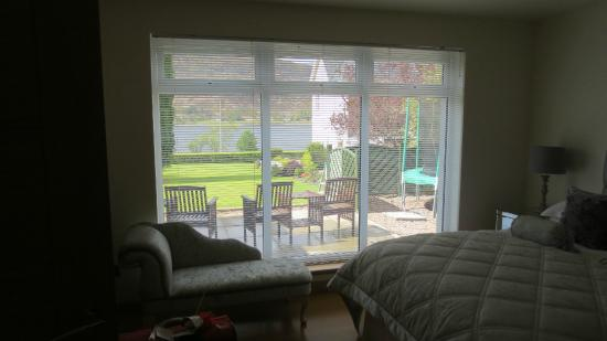 Myrtle Bank Guest House: View from main bedroom