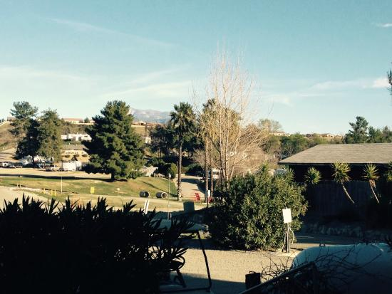 Whole view of Country Hills Rv Park