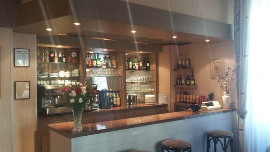Mets et Plaisirs: Notre Bar