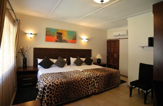 Guest Paradise Lodge
