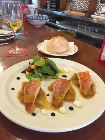 Bar Restaurante Los Faroles : Salmonetta con Mango