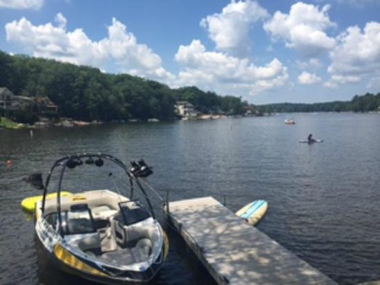 Lake Harmony Inn: Lakefront...boating, paddle boarding, kayaking, and more!
