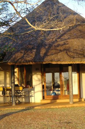 Zululand Safari Lodge: Outside view lodge