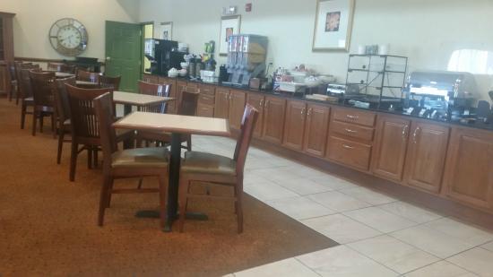 Country Inn & Suites By Carlson, Goodlettsville: Wonderful Breakfast
