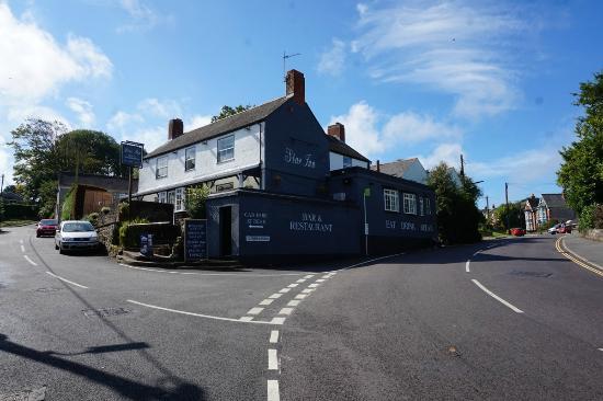 The Star Inn (formly Four Seasons)  Wroxall