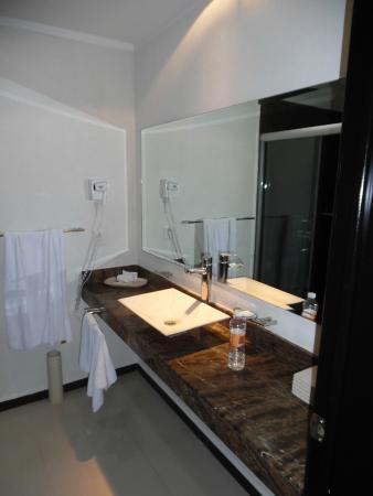Comfort Inn Cancun Aeropuerto: vasque salle d'eau