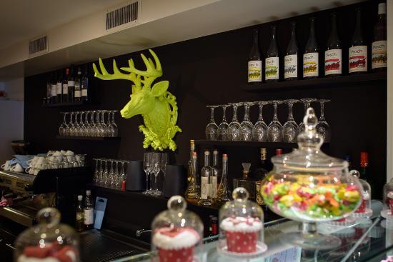 Aarberg, Swiss: Bar