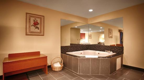 Best Western Shippensburg Hotel: Whirlpool Suite