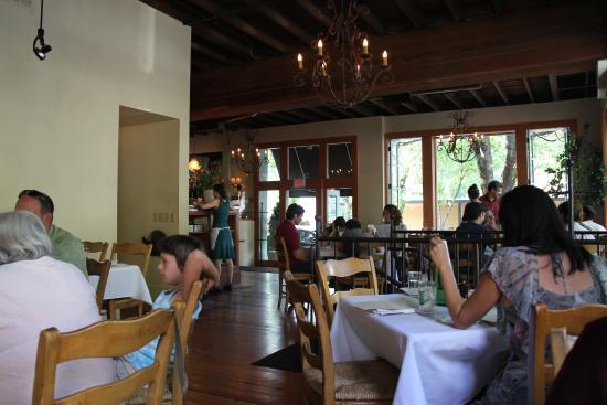 Serratto: Dining Room
