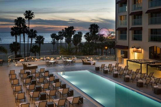 Loews Santa Monica Beach Hotel: Pool Deck