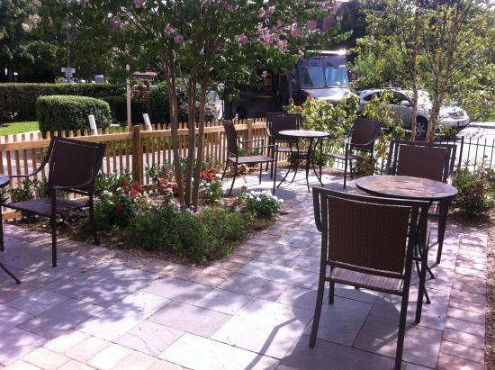 DuPont Place : Our patio