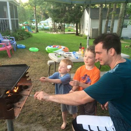 Bowen's by the Bays: Roasting marshmallows on the grill