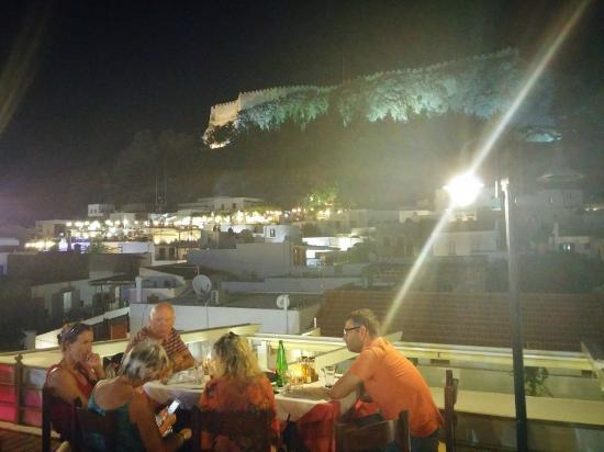 Stefaninos Restaurant Sonnenuntergang Streifen