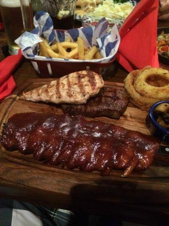 Fat Sam's: Ultimate meat combo
