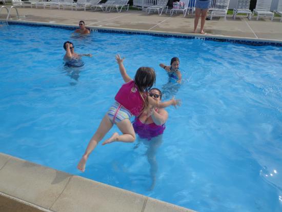 Point Pleasant Manor: Fun in the sun
