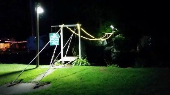 Kennerdell, PA: Swing Bridge