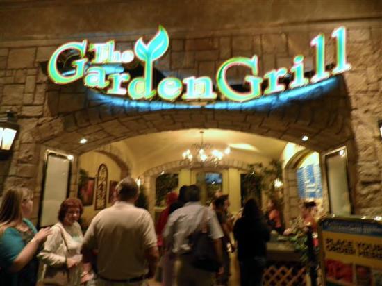 The Garden Grill : Entrance to Garden Grill.