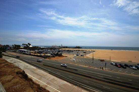 The Coffee Bean & Tea Leaf: Santa Monica Beach