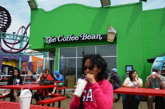 The Coffee Bean & Tea Leaf: Le Coffee Bean du Pier