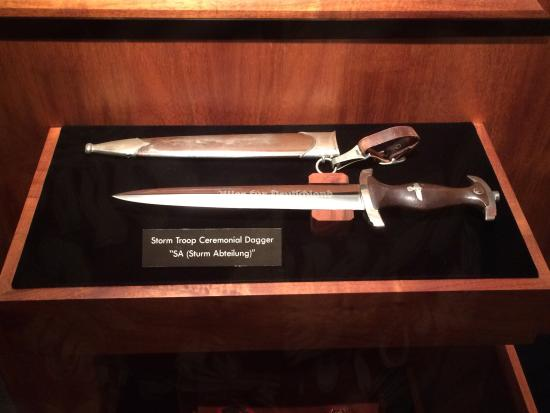‪‪US Army Museum of Hawaii‬: German SA ceremonial dagger‬