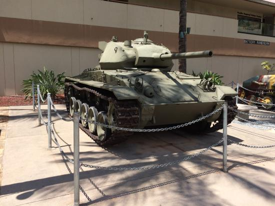 US Army Museum of Hawaii : M24 light tank on display