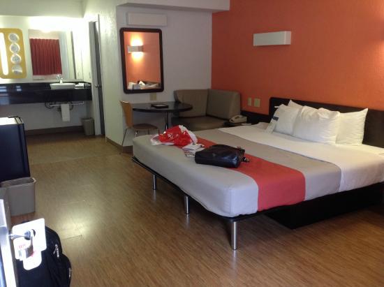 Motel 6 Boerne: Room 1