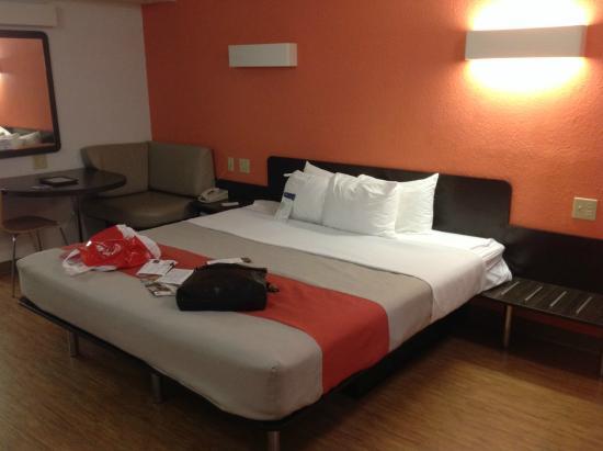 Motel 6 Boerne: Room 2