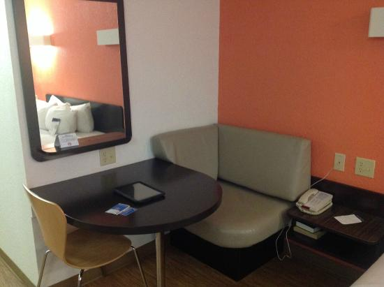 Motel 6 Boerne: Sitting area